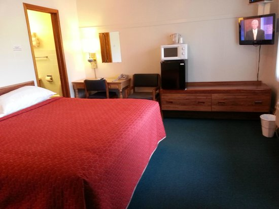 Starlite Motel Richland Center: king size non smoking