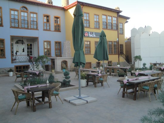 Hich Hotel Konya: Courtyard