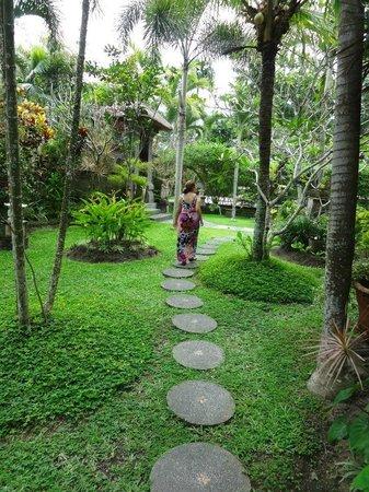 Alam Shanti: Beautiful gardens