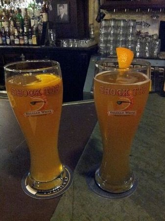 Garman's Restaurant and Irish Pub: shock top