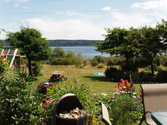 Hidden Harbour Vacation Rental and B&B: View from Hot Tub