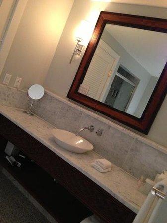 Emerson Resort & Spa: bathroom