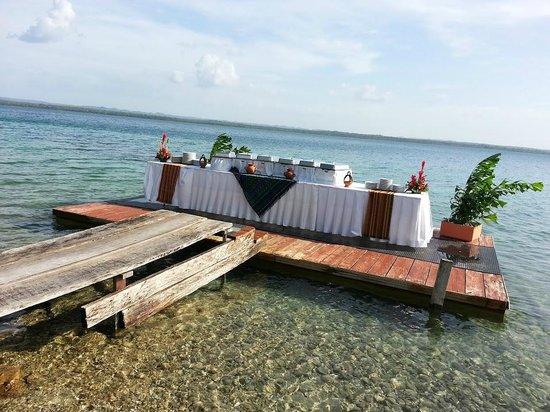 Camino Real Tikal: Montajes en la Playa