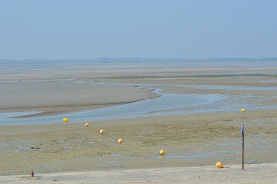 Pierre & Vacances Premium Residenz de la Plage: tide out