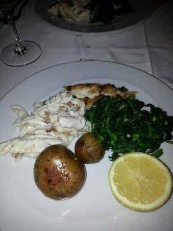 5 Oceanos: bar grillé et légumes