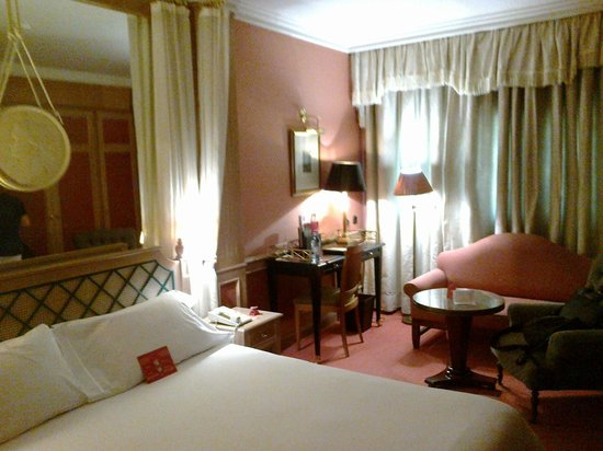 Palafox Hotel: La habitación muy lujosa