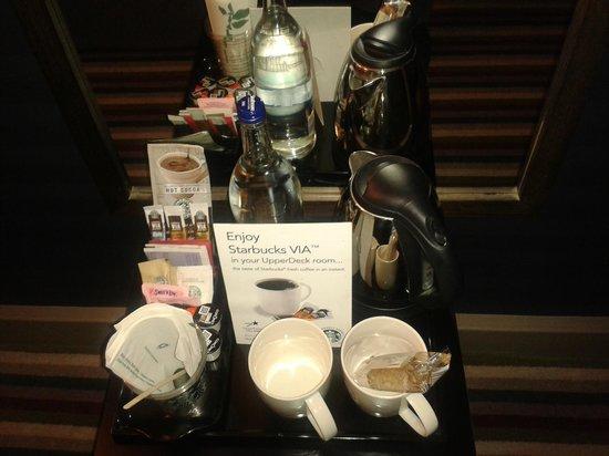 Village Hotel Swindon: Starbucks Treats