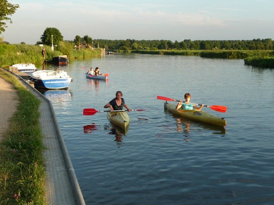 Rechthuis van Zouteveen: Canoes of the B&B