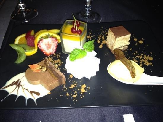 Le Café des Baux : composè di 4 dessert