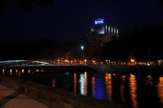 Silken Amara Plaza Hotel : Desde el Río Urumea