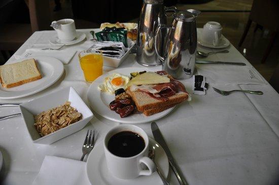 Silken Amara Plaza Hotel : Desayuno buffet