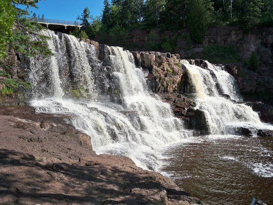 Gooseberry Falls State Park: Falls