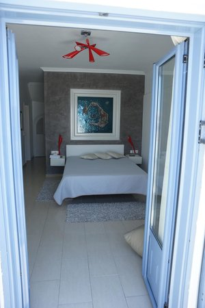 Celestia Grand: Villa Ianthi -- Main bedroom