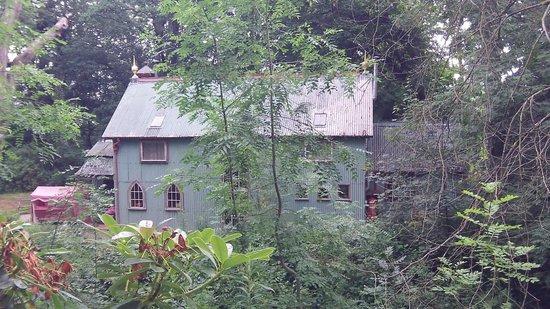 Walcot Hall: The Chapel RHS