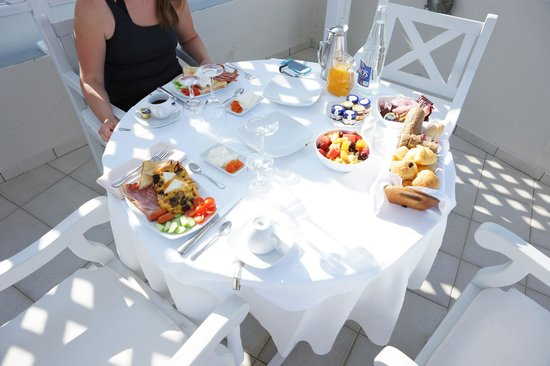 Celestia Grand: Villa Ianthi -- Breakfast included