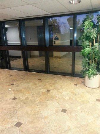 La Quinta Inn Chicago O'Hare Airport: Hallway near elevator