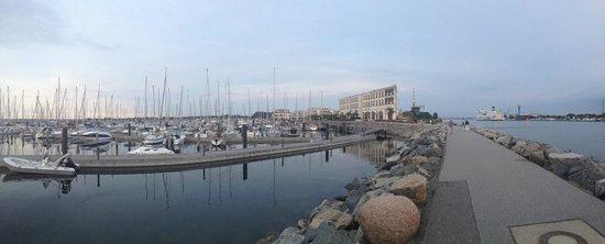 Yachthafenresidenz Hohe Düne: Yachthafen im Hotel