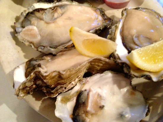 Monterey's Fish House : Gigantic Raw Oysters!