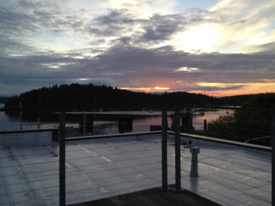 The Island Inn at 123 West: View from our rooftop terrace at sunrise