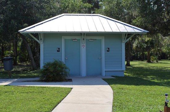 Ormond Tomb Park: restrooms