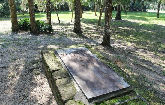 Ormond Tomb Park: Ormond's tomb