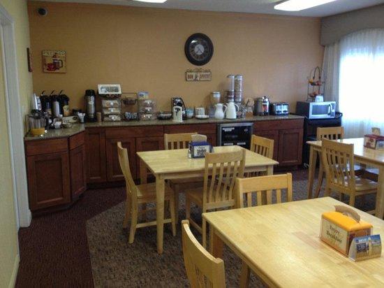 Best Western Corona: Breakfast Room