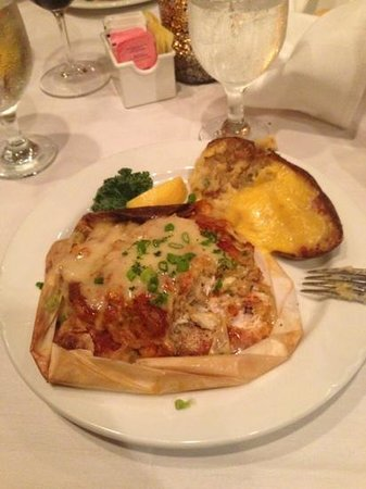Louisiana Lagniappe Restaurant: so tasty I could've eaten the paper!