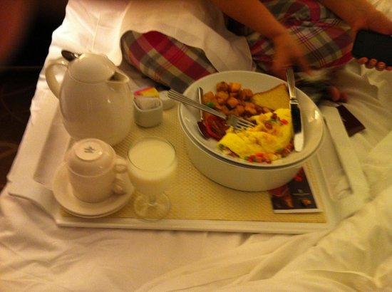 Renaissance Cleveland Hotel: Breakfast