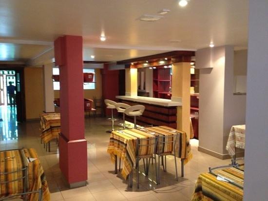 Hotel Sandmelis: el comedor y bar