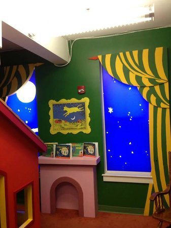Maine Discovery Museum: Goodnight Moon