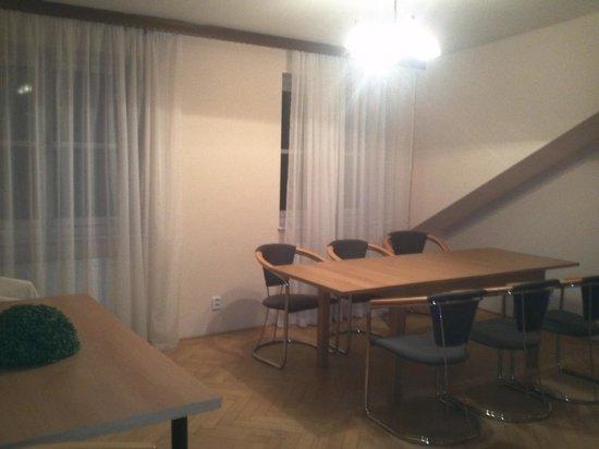 Aparthotel Lublanka: Dining room