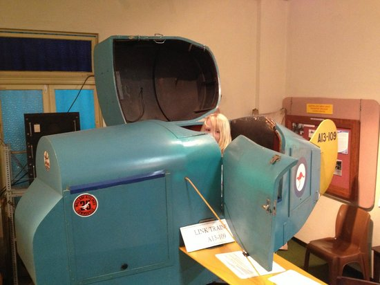 Cairns Historical Society Museum : Old training plane
