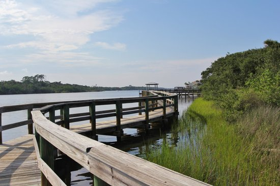 Seabridge Riverfront Park: dock (no shade or benches)