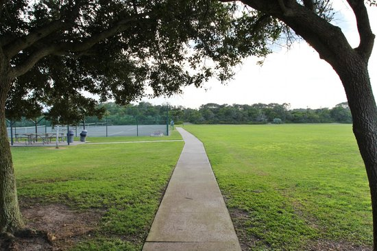 Michael Crotty Bicentennial Park: path to tennis courts, and nature trail