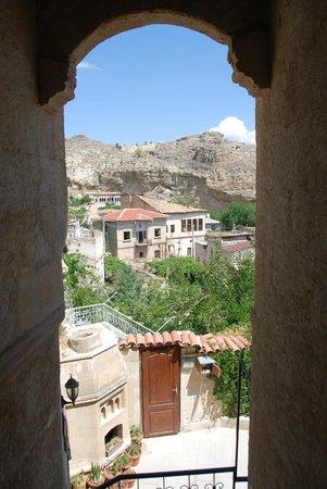 Dedeli Konak Cave Hotel: Outside my room doorway