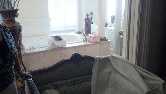 Justine Inn Savannah: Such a nice Bathroom
