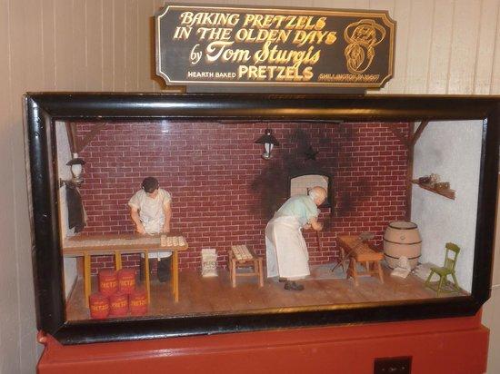 Julius Sturgis Pretzel Bakery: Pretzel making the old fashioned way