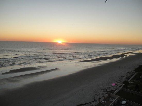 Hampton Inn Daytona Shores - Oceanfront: sunrise from private balcony