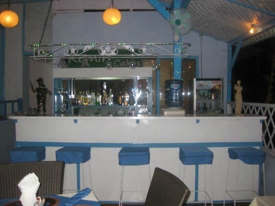 Kemiri: Bar