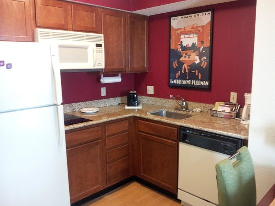 Residence Inn Tampa Westshore/Airport: Kitchen