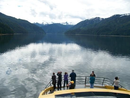 Prince Rupert Adventure Tours: Le paysage de Khutzeymateen est magnifique et le bateau, confortable.