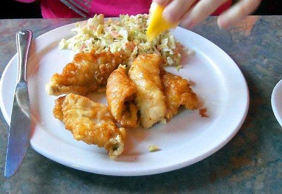 The Plaice Restaurant & Bar: Genuine Lake Erie Perch