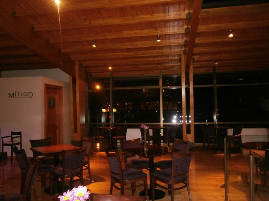 """Alma del Lago Suites & Spa: 34-Alma del Lago: """"Mítico Bar"""""""