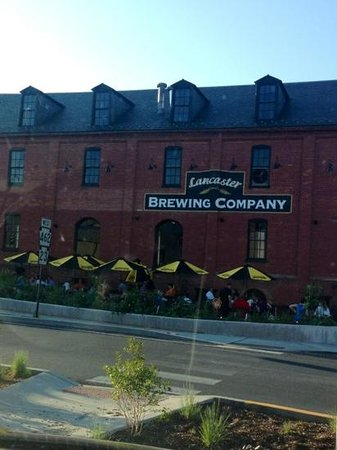 Lancaster Brewing Company: Lancaster Brewing outdoor dining