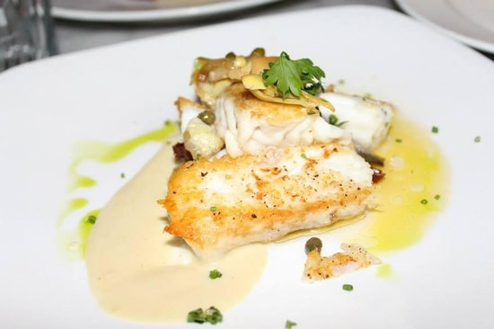 Searsucker: Halibut, this is how it was served, broken up and thrown on top of each other. Sloppy.