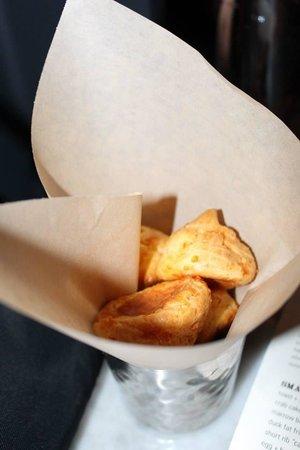 Searsucker: Cheese bread.