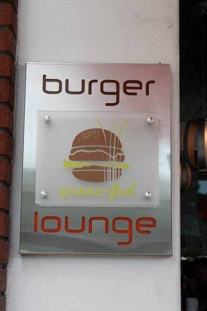 Burger Lounge: Signage.