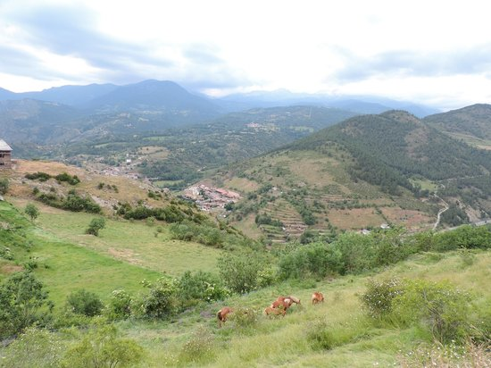 Cal Calsot Casa Rural: View from the town