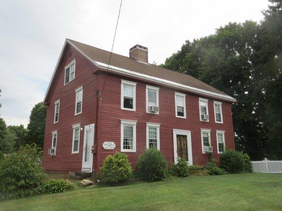 Captain Josiah Cowles Place: Historic, but confortable