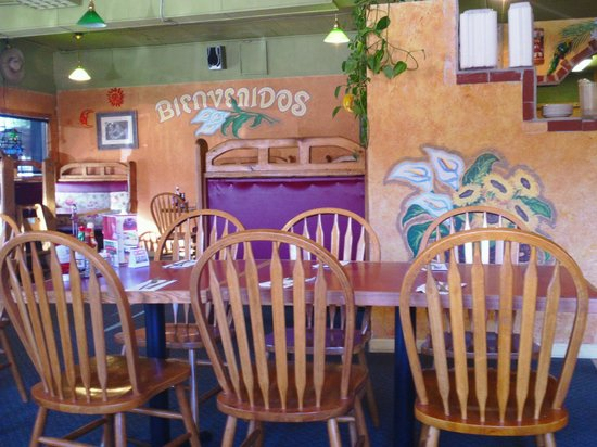 Paso Del Norte: Seating for many!